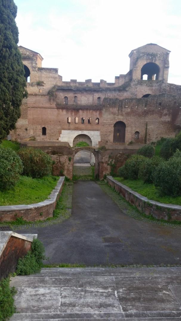 mais ruína em Roma